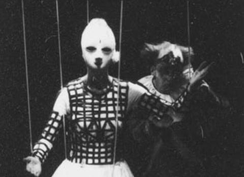 la manipulation dans Coppelia (1992)